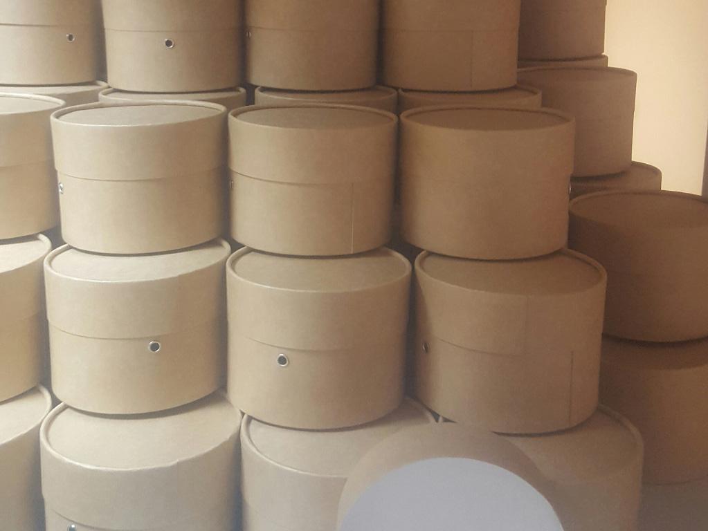 Круглая коробка картона