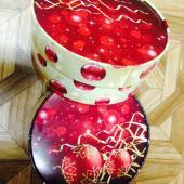 Круглые новогодние коробки диаметр 18 см, высота 9 см с яркой печатью