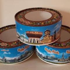 Круглые коробки из монокартона с видами Казани